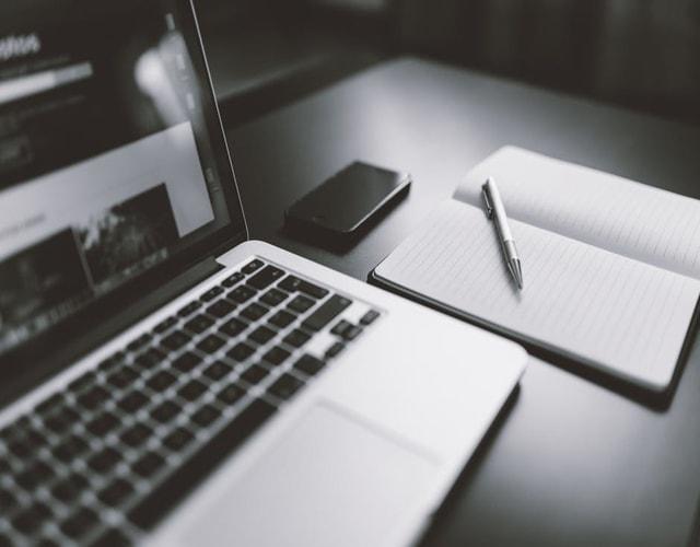 """<img alt=""""computer pencil book LMS""""src=""""https://topyx.com/wp-content/uploads/2017/05/1-laptop-with-notebook-beside-it-LMS-comparison.jpg""""/>"""