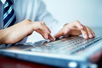<img alt=&quot;Best LMS keyboard man typing&quot;src=https://topyx.com/wp-content/uploads/2015/06/Best-LMS.jpg&quot;/>