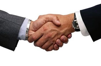 "<img alt=""LMS Improves Customer Relations handshake""src=https://topyx.com/wp-content/uploads/2015/06/LMS-Improves-Customer-Relations.jpg""/>"