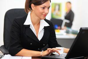 <img alt=&quot;LMS No IT woman working computer smiling&quot;src=https://topyx.com/wp-content/uploads/2015/05/LMS-No-IT.jpg&quot;/>
