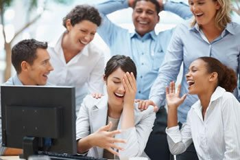 """<img alt=""""Online Learning people laughing computer""""src=https://topyx.com/wp-content/uploads/2015/06/Online-Learning.jpg""""/>"""