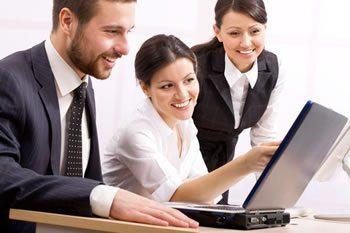 <img alt=&quot;instructor utilize LMS software people looking laptop&quot;src=https://topyx.com/wp-content/uploads/2015/06/instructor-utilize-LMS-software.jpg&quot;/>