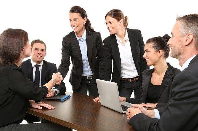 <img alt=&quot;online learning engages employees training&quot;src=&quot;https://topyx.com/wp-content/uploads/2017/03/online_learning_engages_employees.jpg&quot;/>