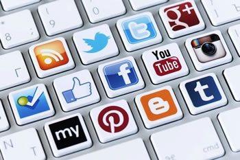 <img alt=&quot;Social LMS social media buttons keyboard&quot;src=&quot;https://topyx.com/wp-content/uploads/2015/07/social-media-LMS.jpg&quot;/>
