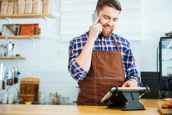 Improving your retail training program is easy with these 3 simple LMS tips.