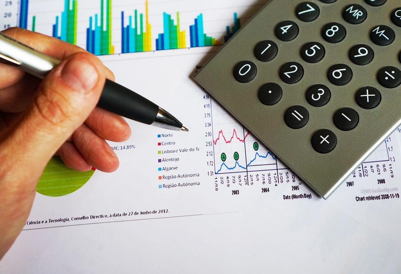 financial services training with an LMS